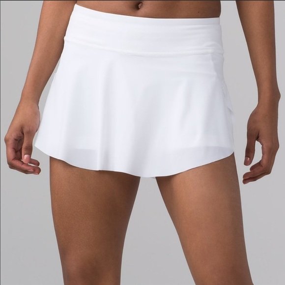 Lululemon quick pace skirt 8 white worn once